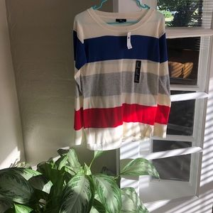 Woman Gap striped sweater - NWT size xs